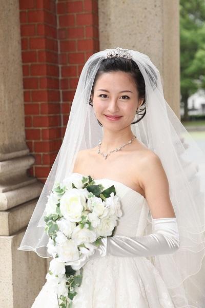 1a8201af9f521 画像    先輩花嫁・モデル事例 ヘッドドレス別・花嫁のヘアスタイル ...